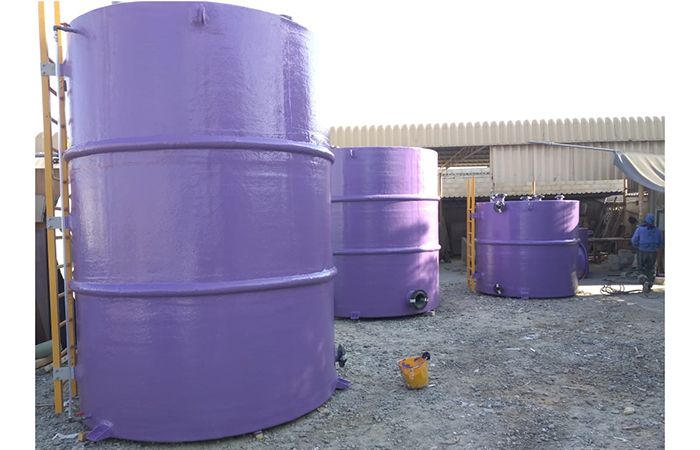Grp chemical tanks vertical shape with grp ladder and safety cage