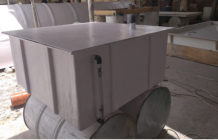 Grp square chemical tank with fittings