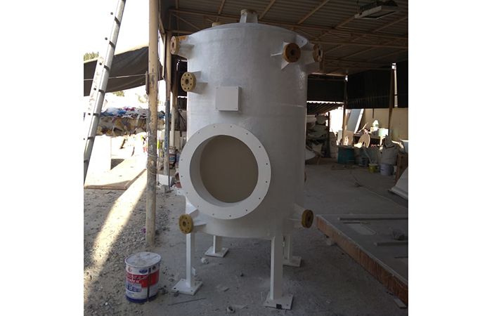 Grp chemical tank with flanges